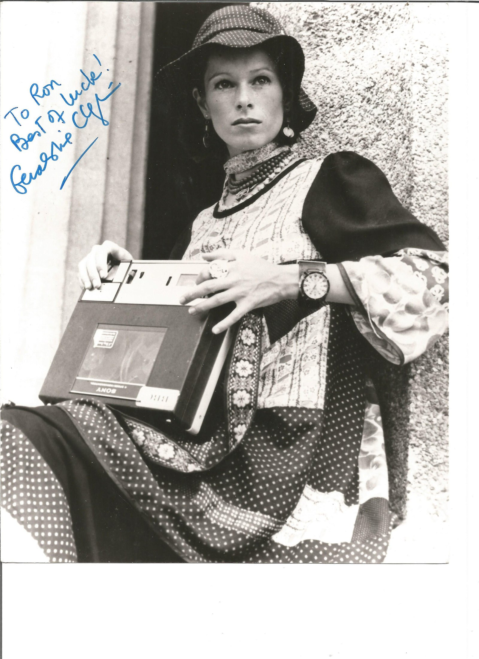 Geraldine Chaplin signed 10x8 black and white photo.
