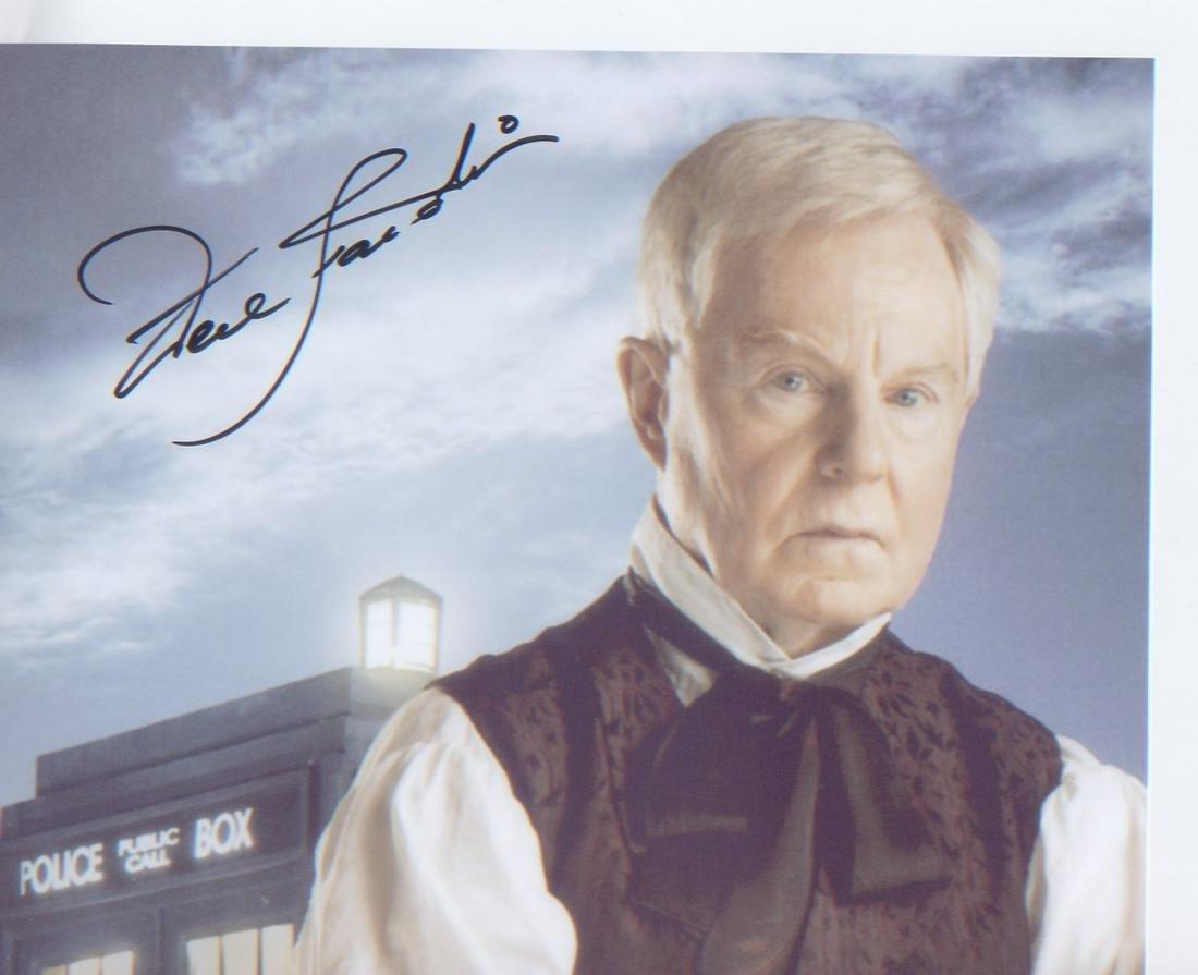 Dr Who Derek Jacobi signed 10 x 8 inch photo of Jacobi