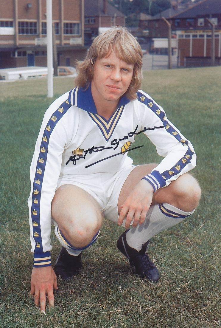 Leeds United Arthur Graham, Football Autographed 12 X 8