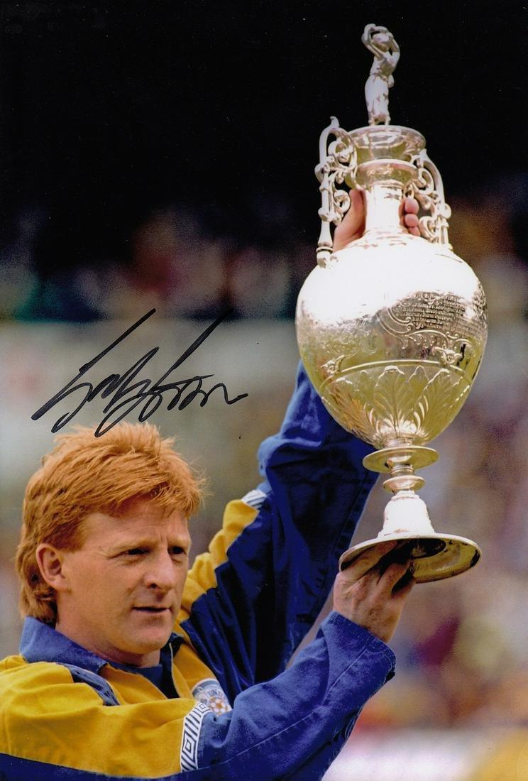 Leeds United Gordon Strachan, Football Autographed 12 X