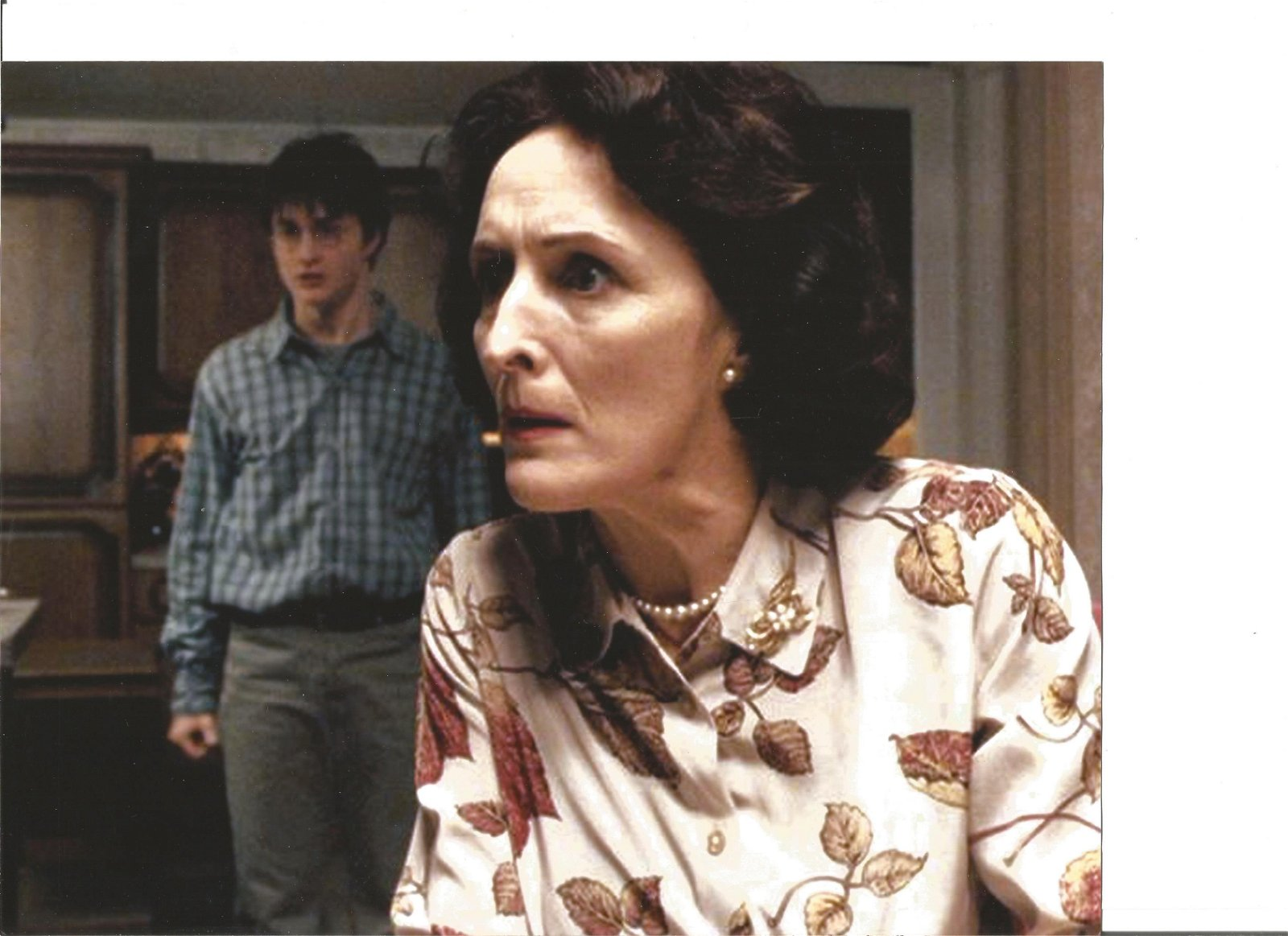 Fiona Shaw signed white card with 10x8 colour Harry