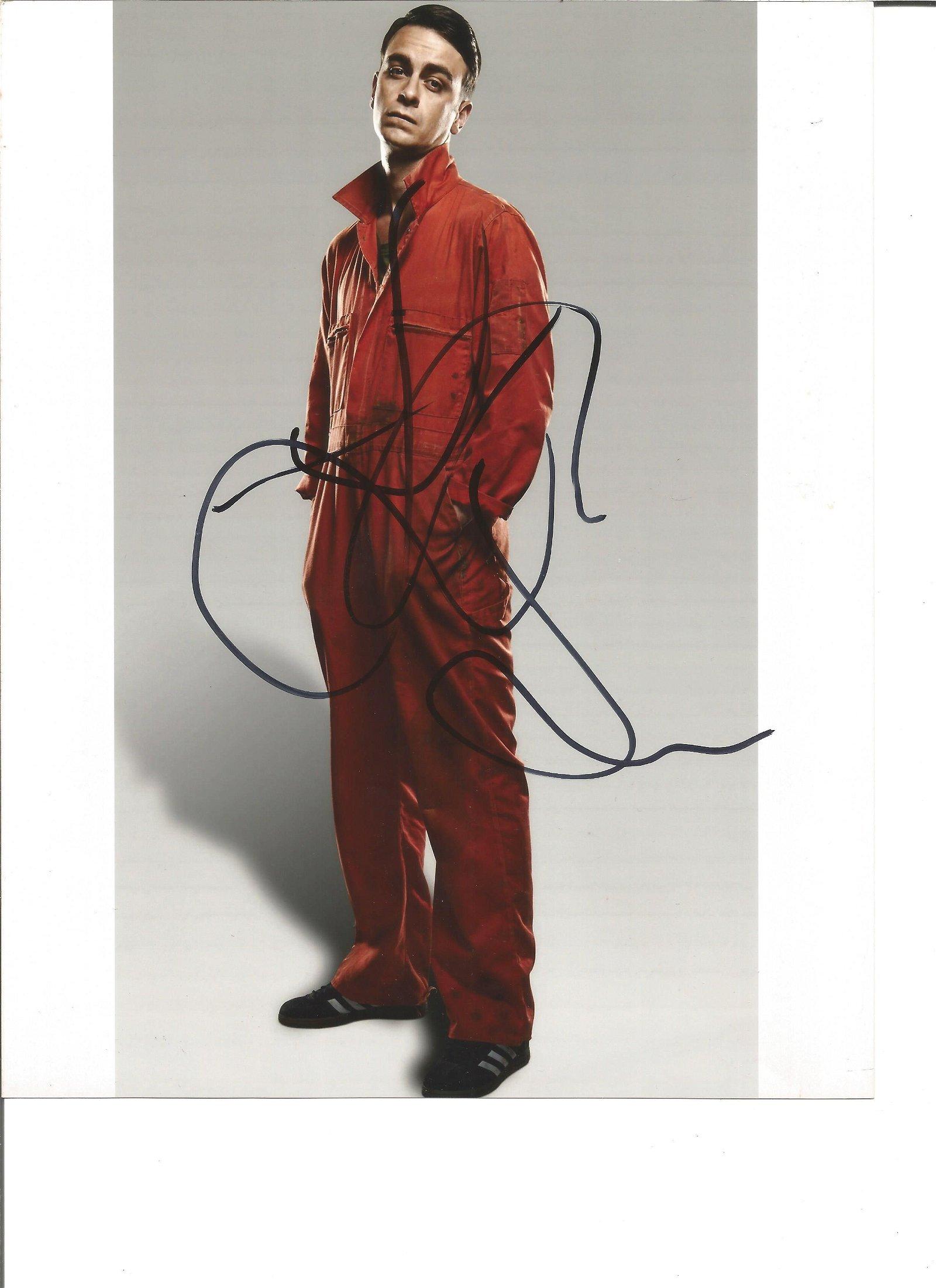 Joseph Gilgun signed 10x8 colour photo. Good Condition.