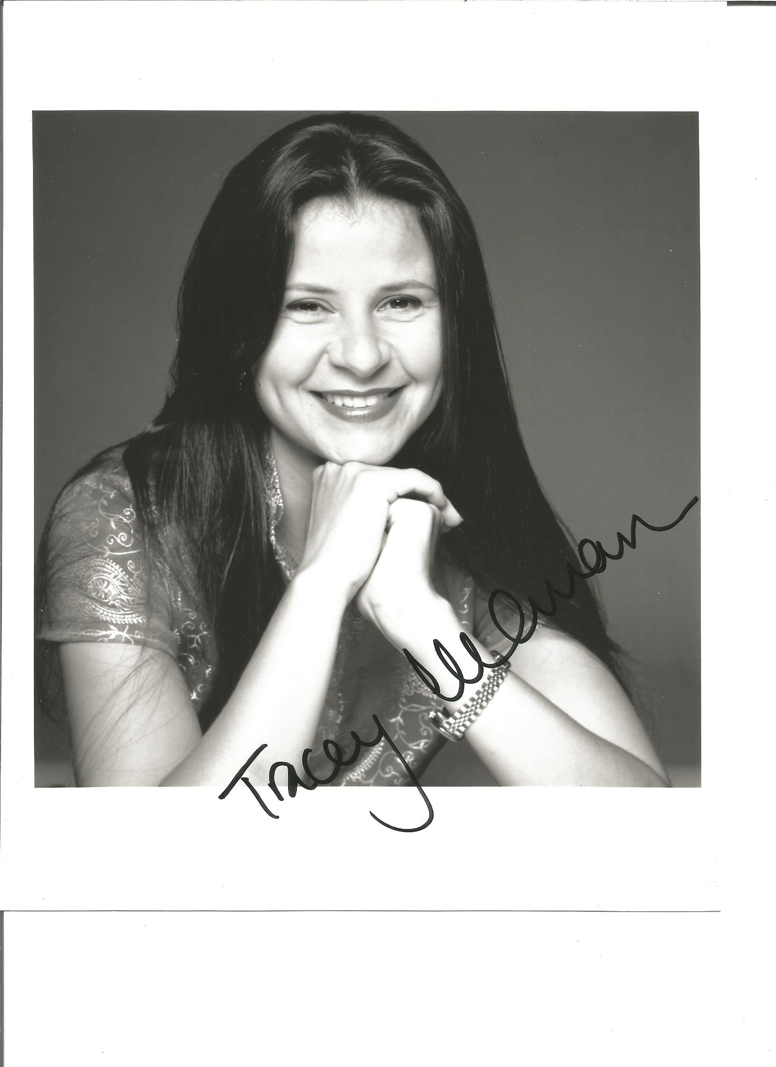 Tracey Ullman signed 10x8 black and white photo. Good