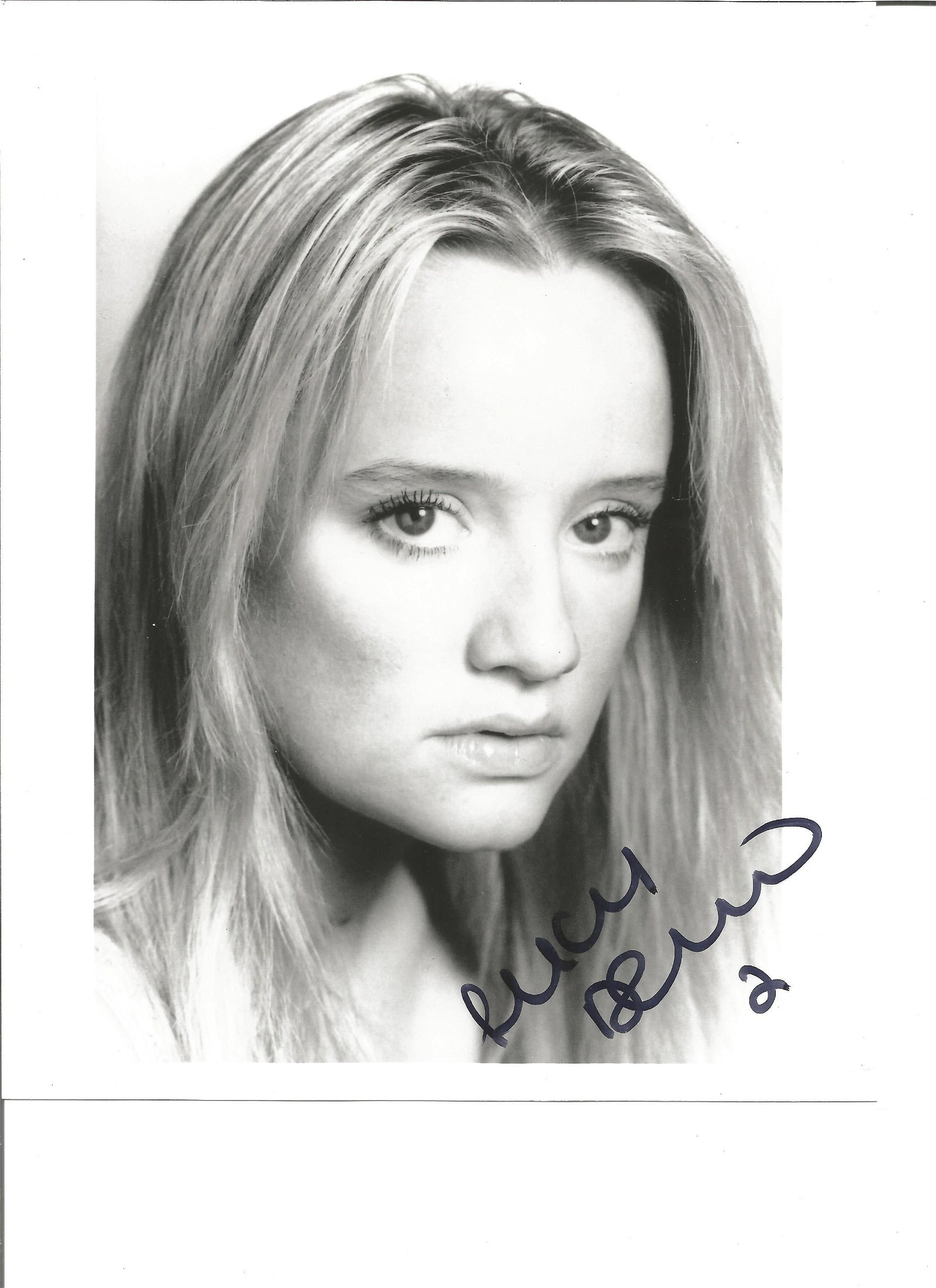 Lucy Davis signed 10x8 black and white photo. Good