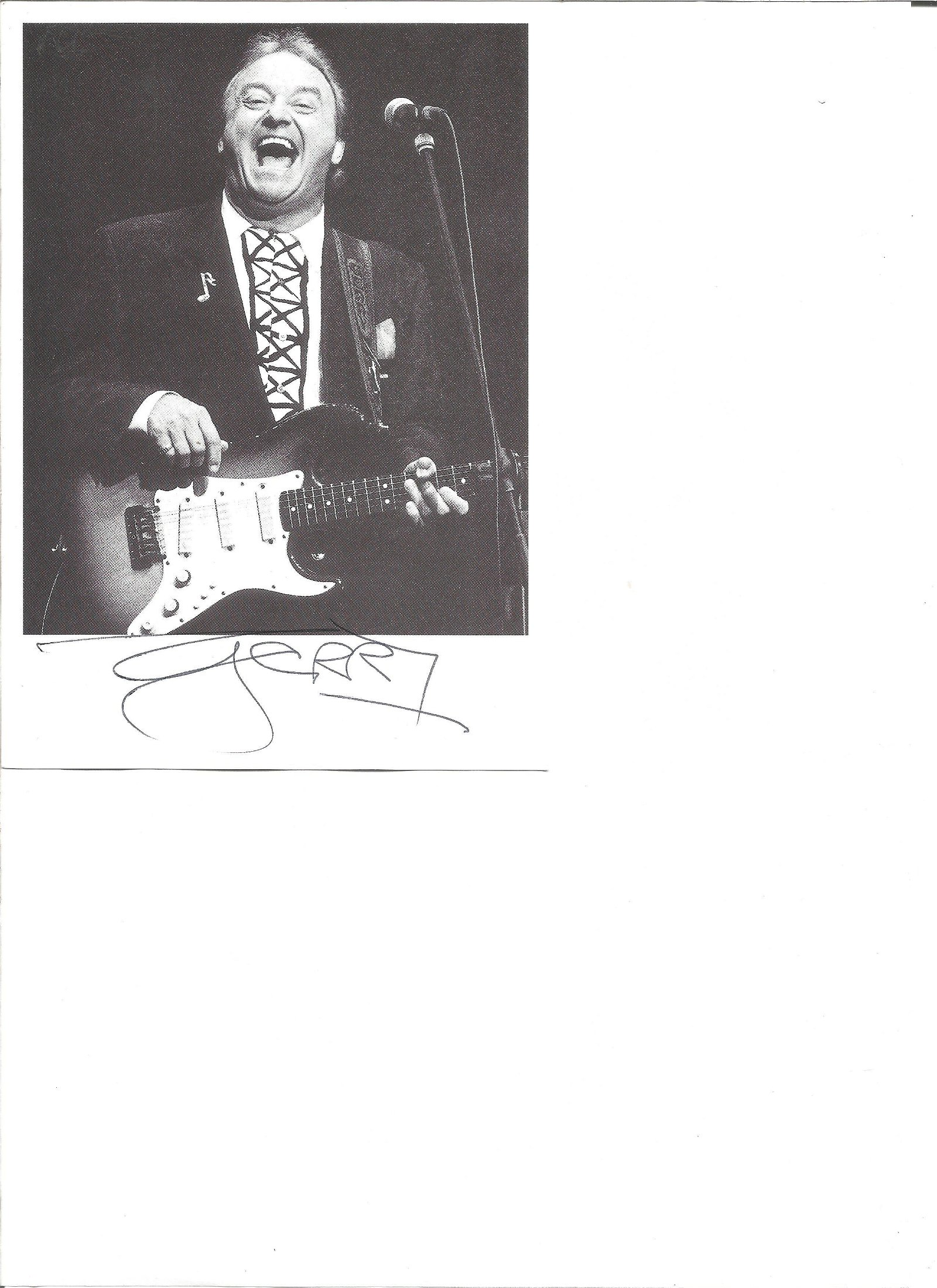 Gerry Marsden signed 7x5 black and white photo. Good