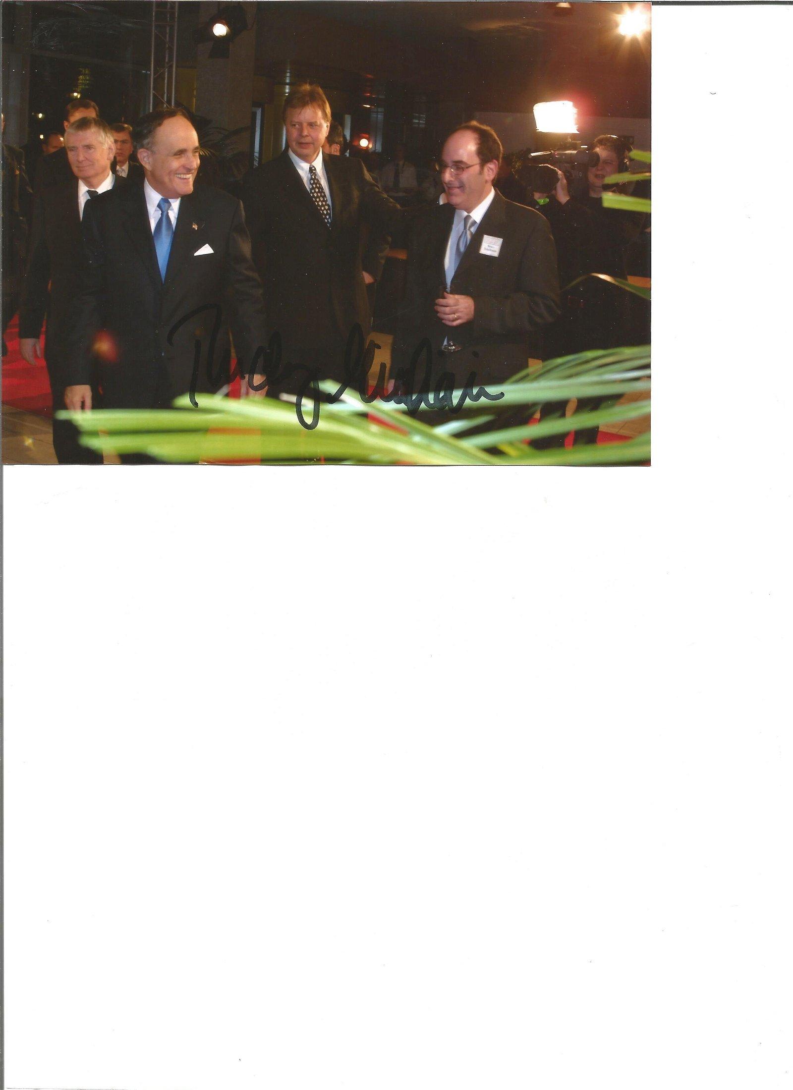 Rudy Giuliani signed 7x5 colour photo. Good Condition.