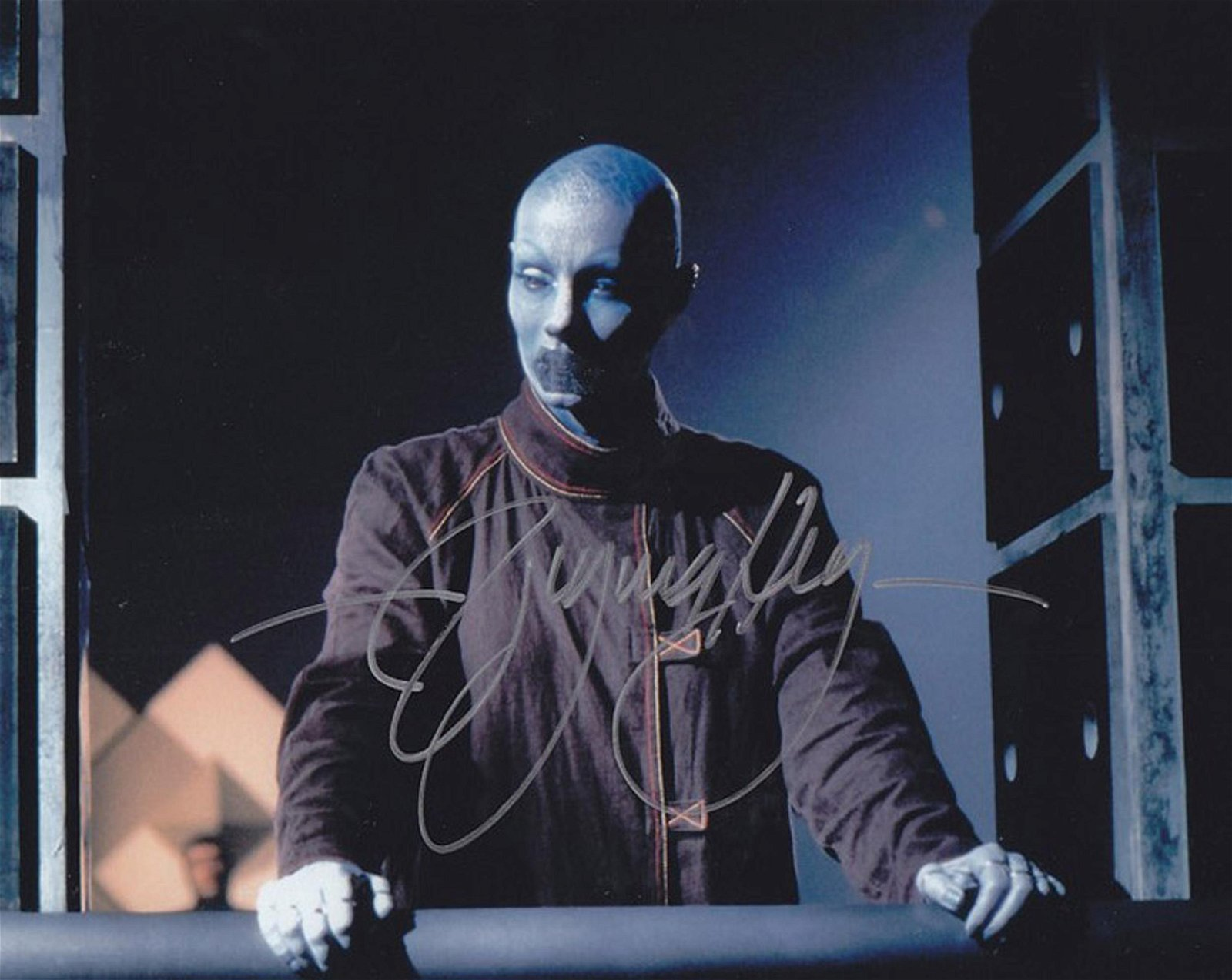 Blowout Sale! Farscape Virginia Hey hand signed 10x8