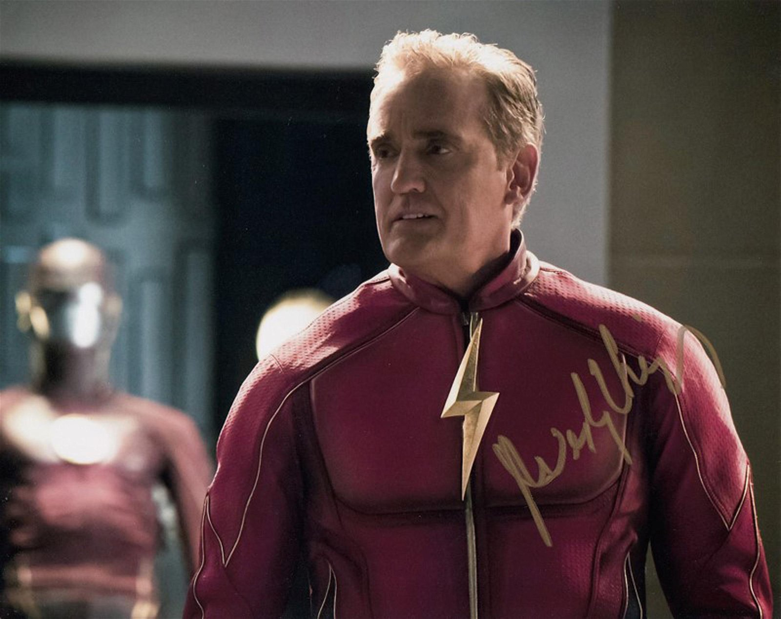 Blowout Sale! The Flash John Wesley Shipp hand signed