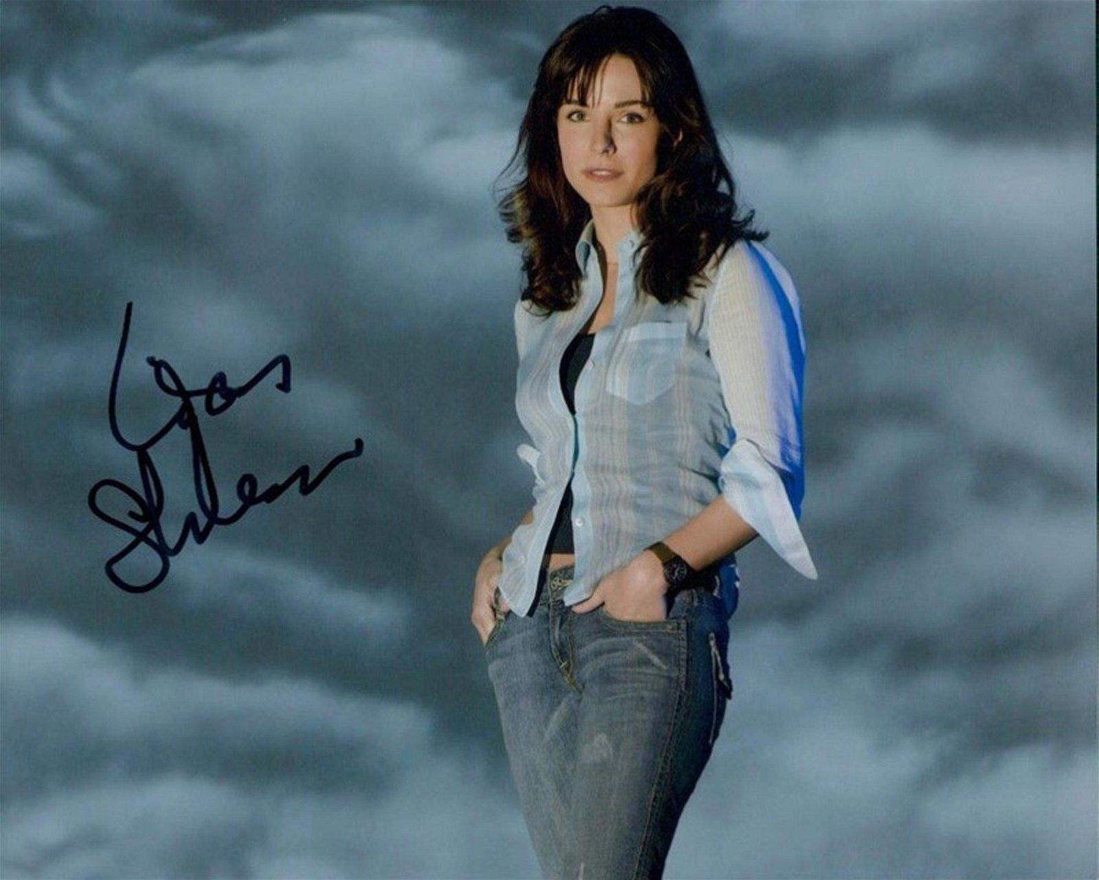 Blowout Sale! Invasion Lisa Sheridan hand signed 10x8