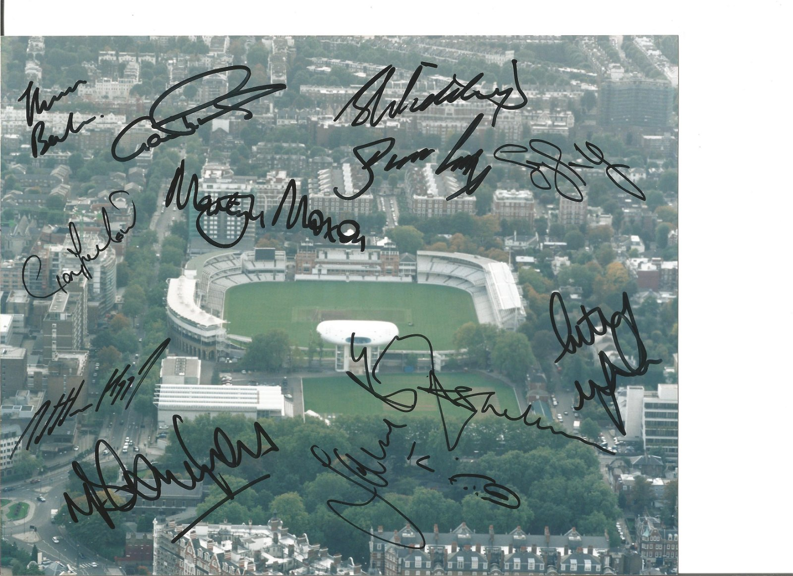Yorkshire CCC 10x8 colour photo 2001 signed by 13