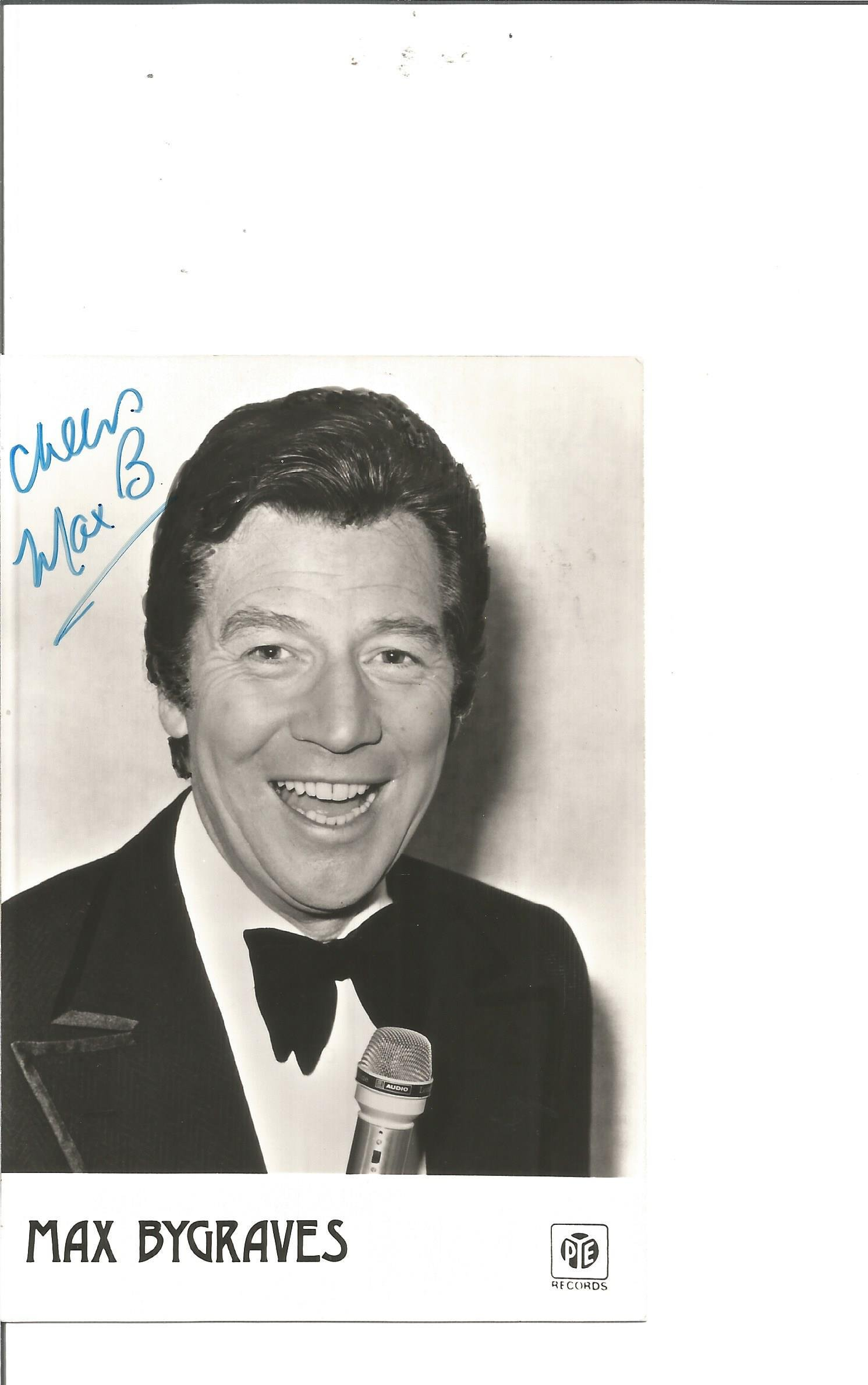 Max Bygraves signed 6x4 black and white photo. Good