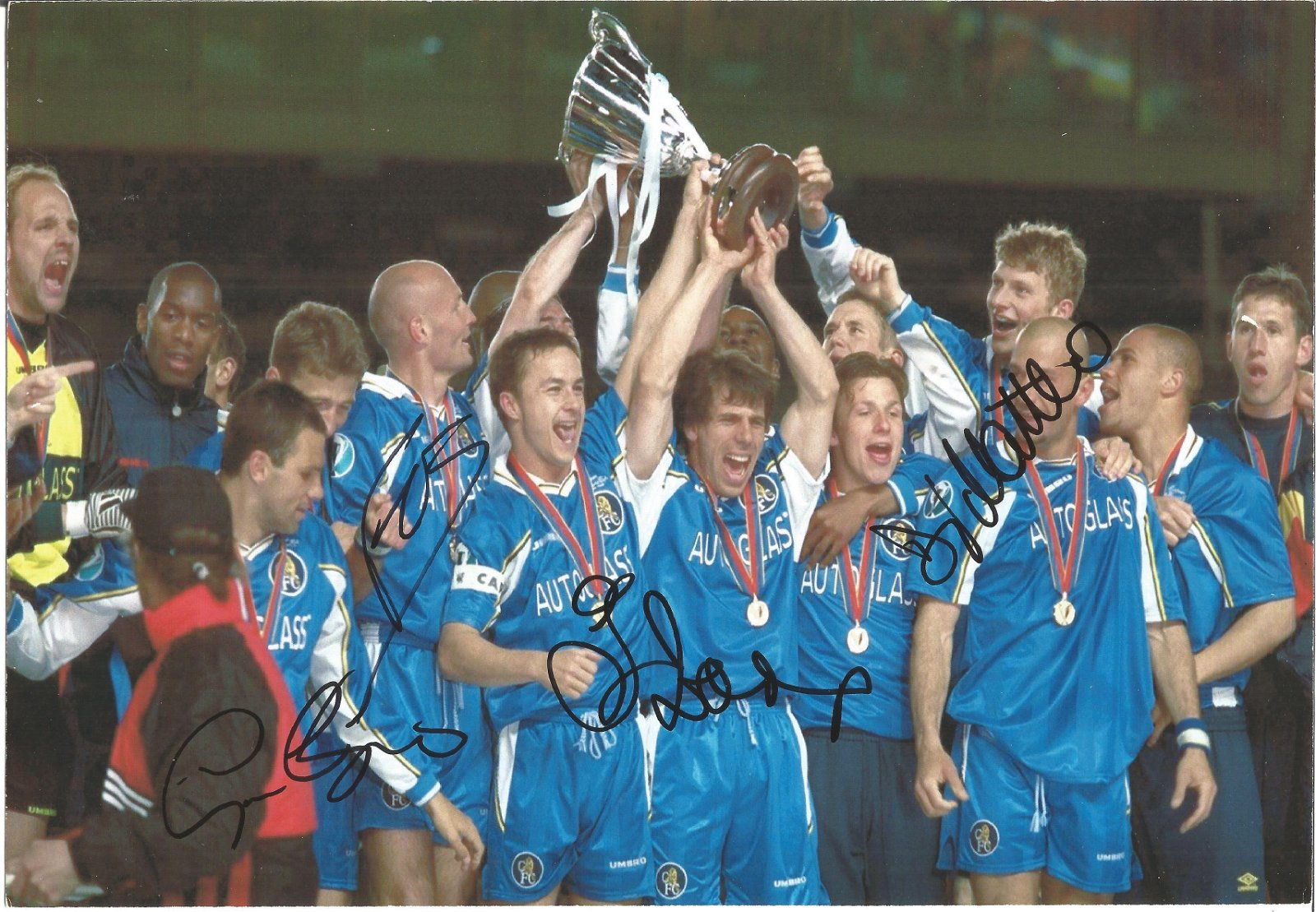 Football Chelsea F.C 10x8 signed colour photo signed by