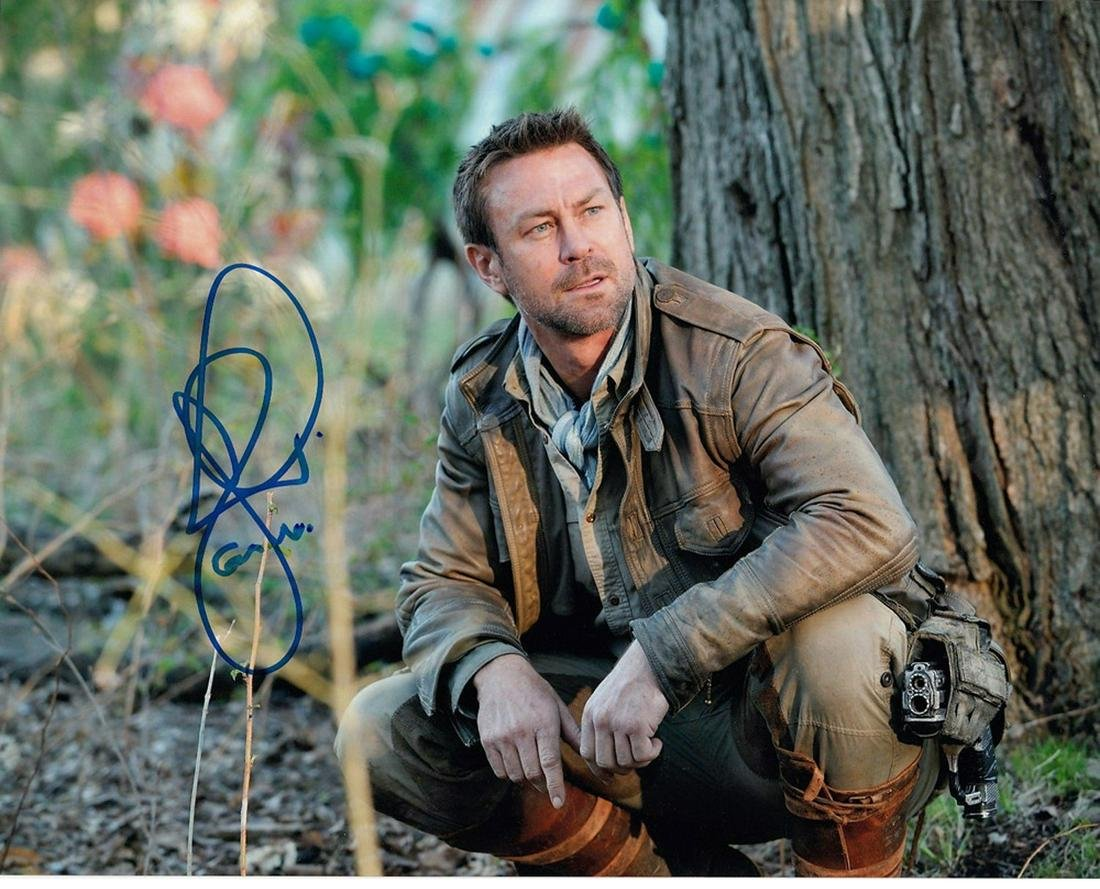 Blowout Sale! Defiance Grant Bowler hand signed 10x8