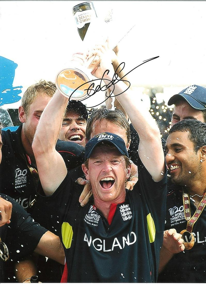 Paul Collingwood Signed 16 x 12 inch cricket photo.