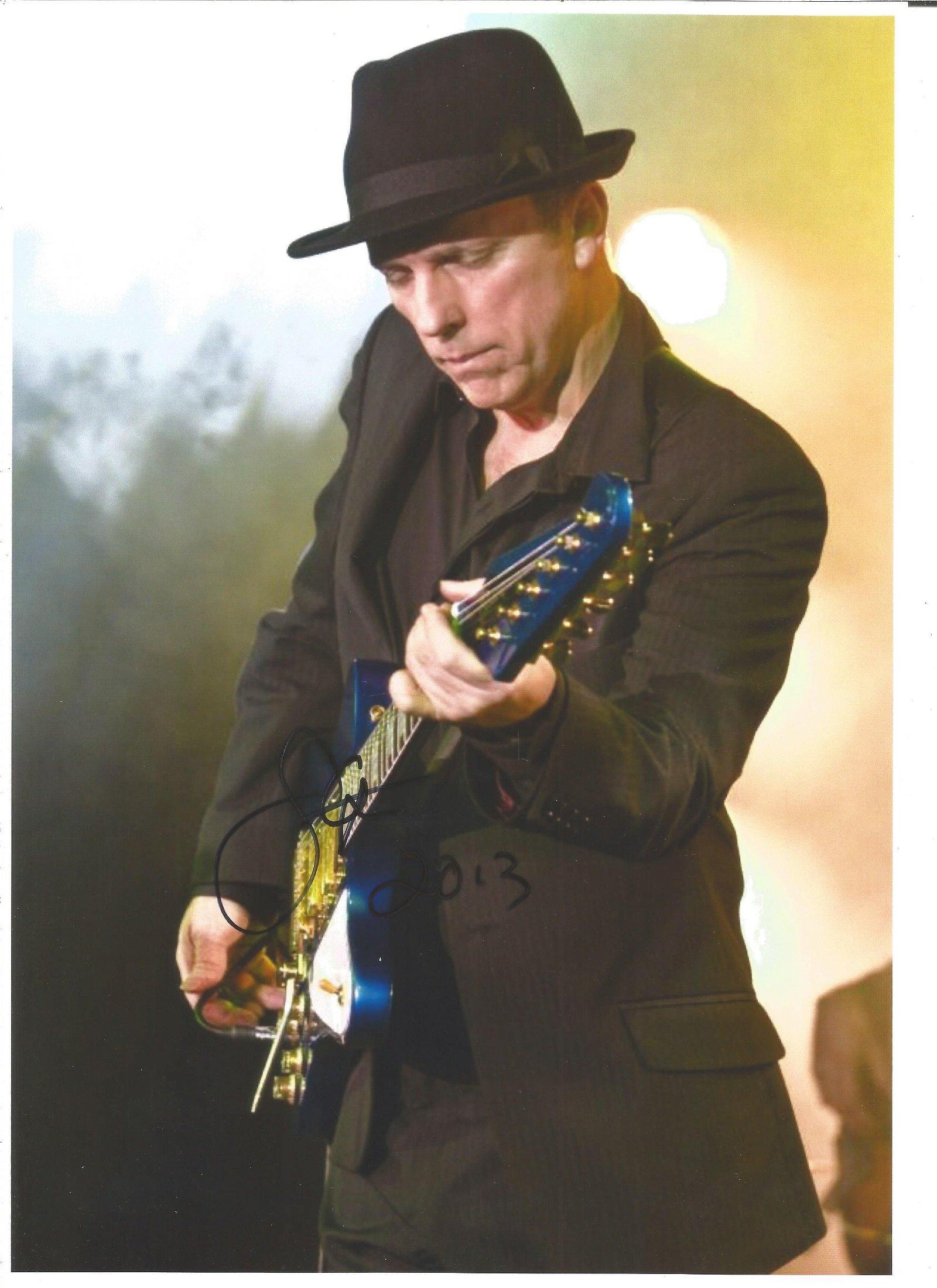 Steven Dale Petit Singer / Guitarist Signed 8x12 Photo.