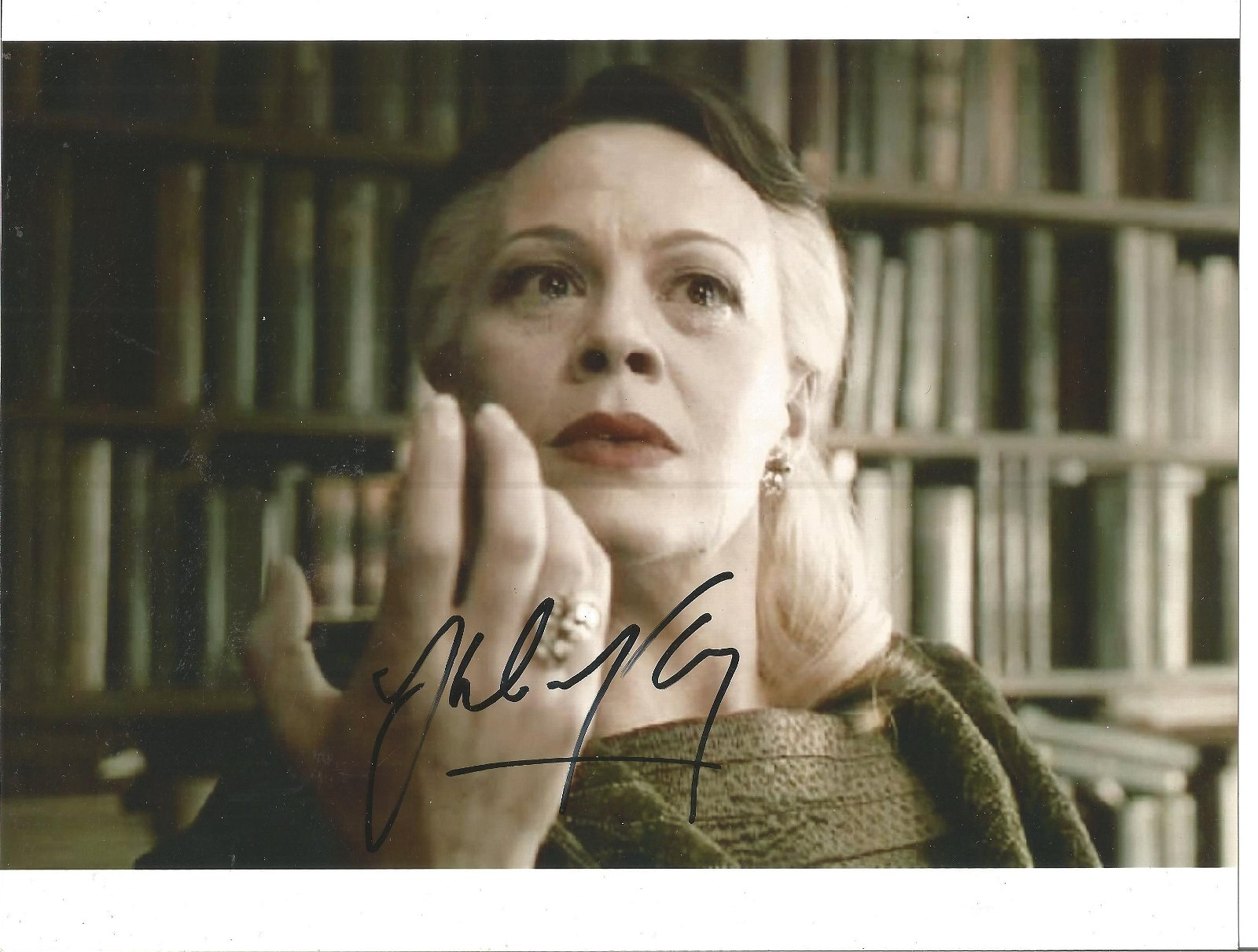 Helen McCrory signed 10x8 colour photo. Good Condition.