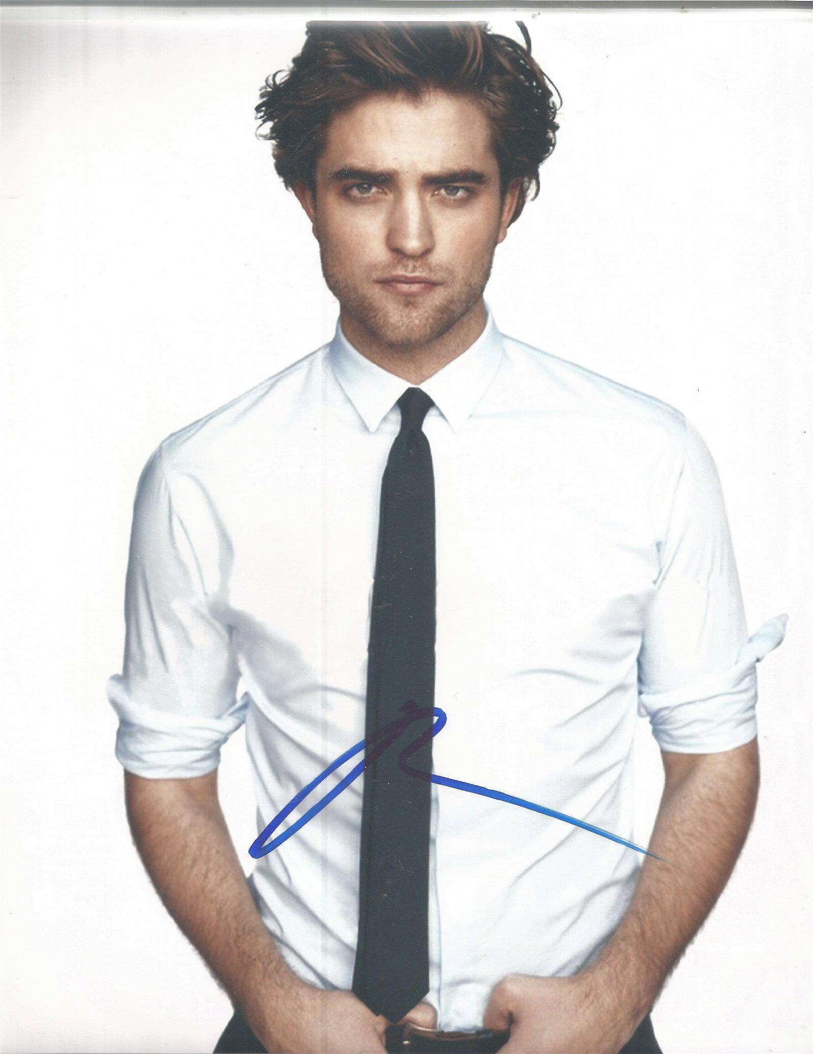 Robert Pattinson signed 10x8 colour photo. Good