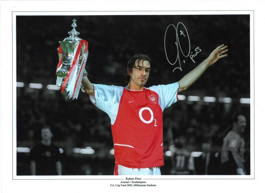 Football Robert Pires signed 16x12 colour enhanced