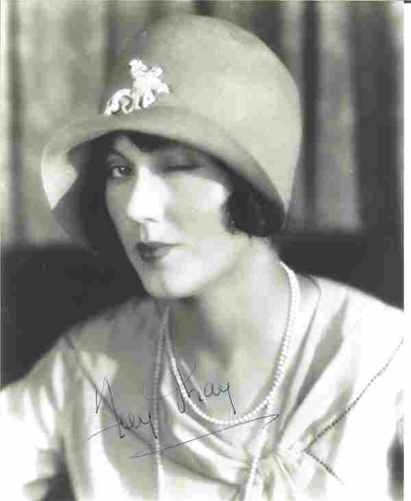 Fay Wray Signed 10 x 8 inch b/w photo. Condition 9/10.