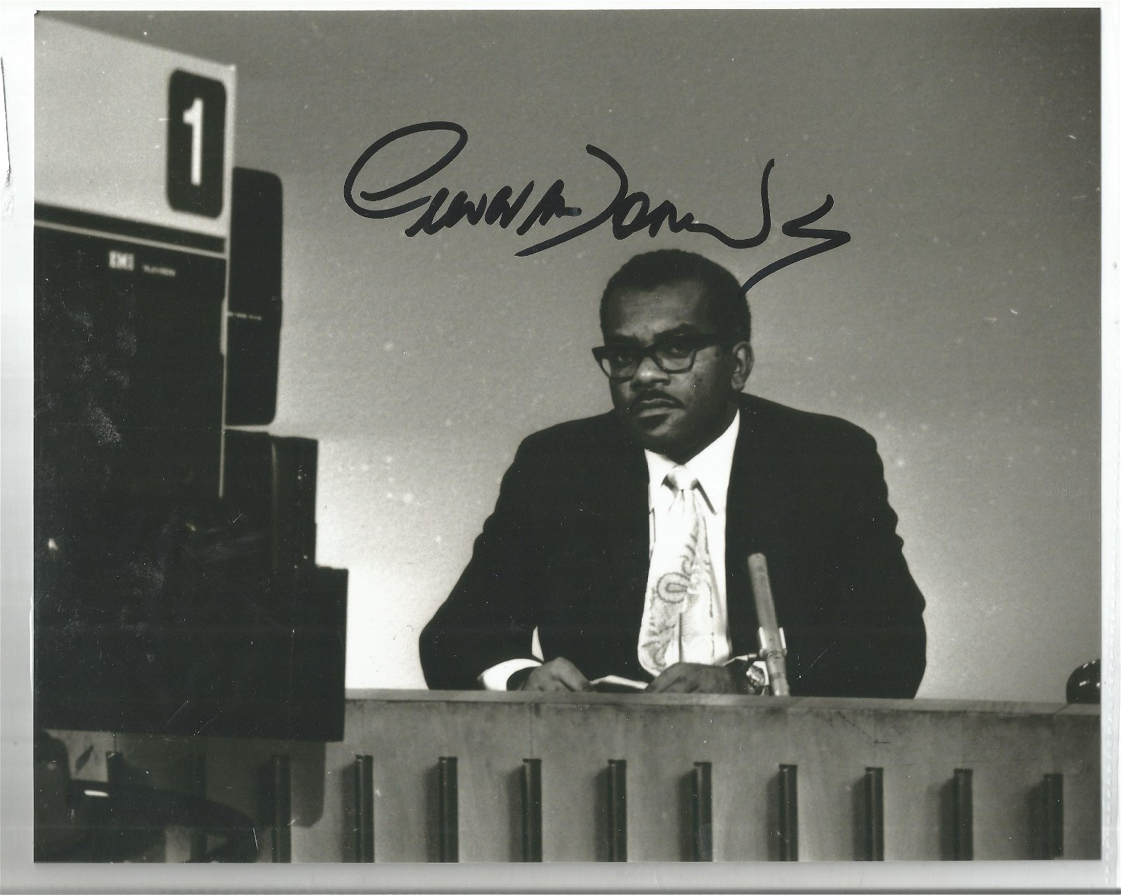 Trevor Mcdonald Newsreader Signed 8x10 Photo. We