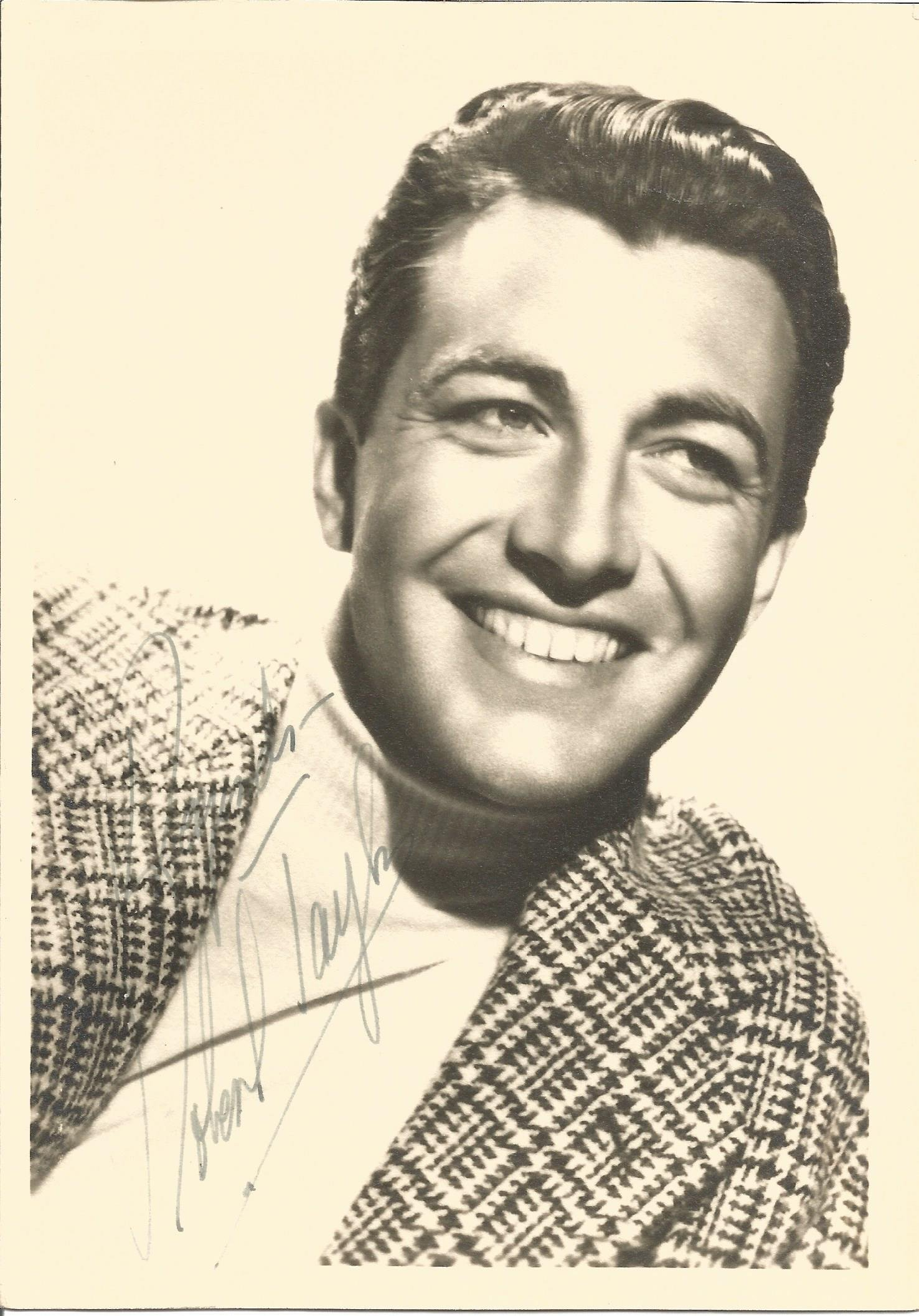 Robert Taylor signed 7x5 vintage black and white photo.