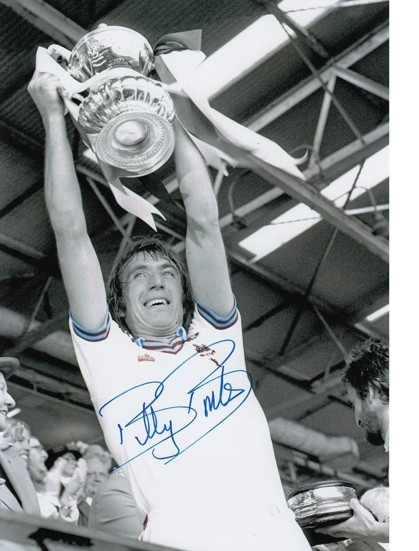 Billy Bonds Football Autographed 12 X 8 Photo, A Superb