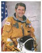 Astronaut Richard Truly signed 10 x 8 inch colour