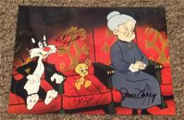 Looney Tunes multi signed 10x8 colour photo signed by