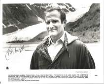 Robin Williams signed 10x8 black and white photo. We