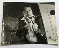 Robert Shaw signed vintage 10 x 8 inch bw still photo