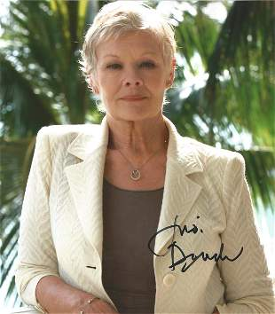 James Bond Judi Dench signed 10x8 colour photo. Dame