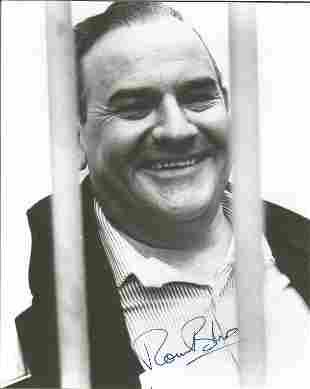 Ronnie Barker signed 10 x 8 inch b/w from Porridge.