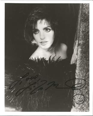 Liza Minelli signed 10 x 8 inch b/w early portrait