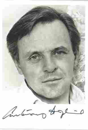 Anthony Hopkins signed 7 x 5 inch b/w photo. Good