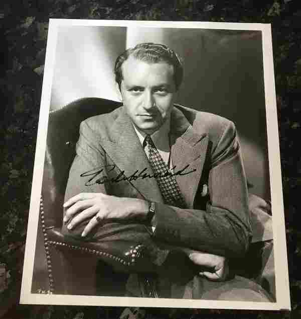 Paul Henreid signed 10 x 8 inch b/w photo. Condition