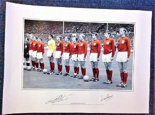 Football Geoff Hurst and Martin Peters signed 33x16