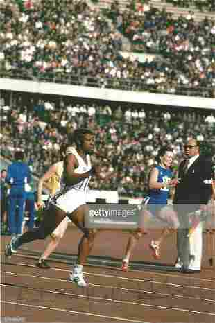 Olympics Jocelyn Hoyte Smith signed 6x4 colour photo of
