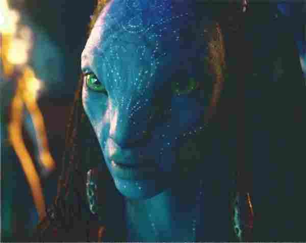 Zoë Saldana signed 10x8 colour photograph as her role