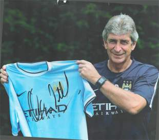 Football, Manuel Pellegrini signed 12x8 colour