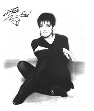 Liza Minnelli signed 10x8 black and white photo. Liza