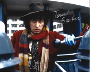 Tom Baker signed 10x8 colour photo pictured in his role