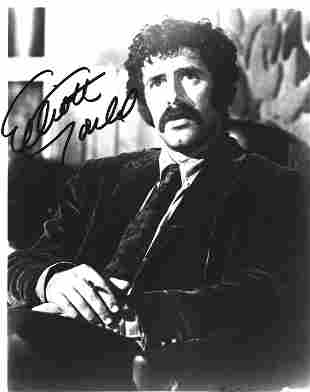 Elliot Gould signed 10x8 black and white photo. Elliott