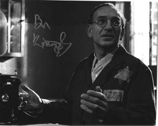 Ben Kingsley signed 10x8 black and white photo. Sir Ben