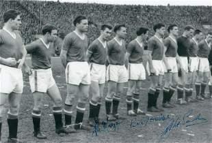 Autographed 12 X 8 Photo - B/W, Depicting Man United's