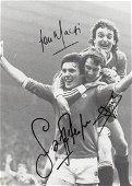 Football Autographed Man United Cutting - B/W,