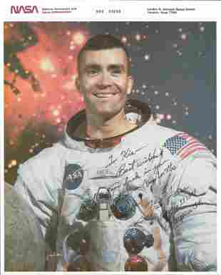 Fred Haise signed and inscribed 10x8 colour photograph.