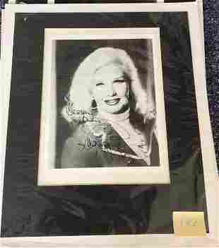 Ginger Rogers Signed 10x8 black and white photo