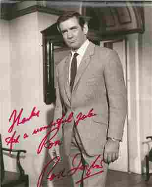 Rod Taylor signed 10x8 black and white photo. Dedicated