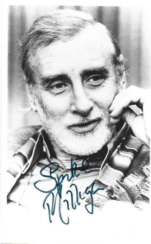 Spike Milligan signed 6x4 black and white photograph.