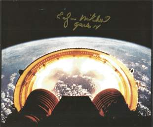 Apollo astronaut Edgar Mitchell signed colour photo.